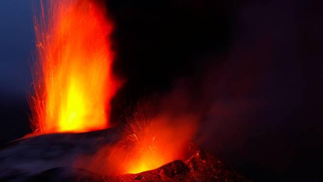 Nieuwe krater zorgt voor extra lavastroom op La Palma: opnieuw mensen geëvacueerd