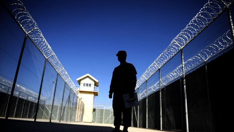 De gevangenis bij de militaire basis Bagram. Beeld null