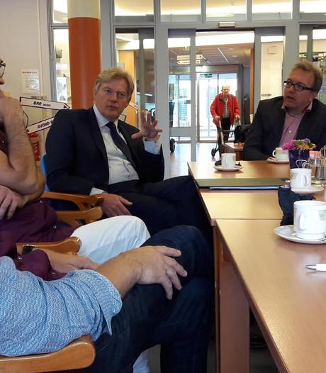 VIDEO: Staatssecretaris Van Rijn ervaart in Megen hoe het is om oud te zijn