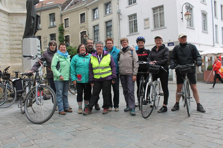 De Rol-Mopsen legden de tocht af met de fiets.