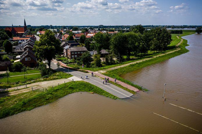 Een luchtfoto van het dorp Bergen in het noorden van Limburg.