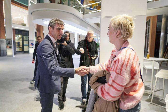 Bouwman in gesprek met staatssecretaris Paul Blokhuis.