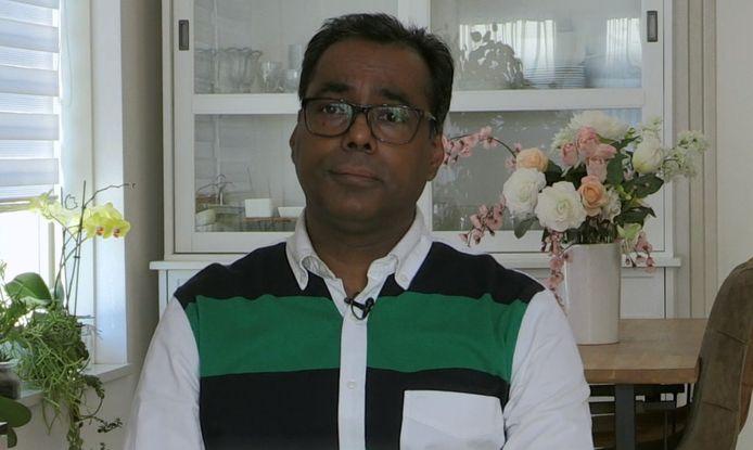 Volgens Vinod zit zijn buurman voor een dubbeltje op de eerste rij.