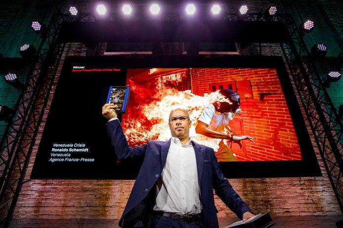 Winnaar van de World Press Photo Award Ronaldo Schemidt in de Westergasfabriek in Amsterdam.