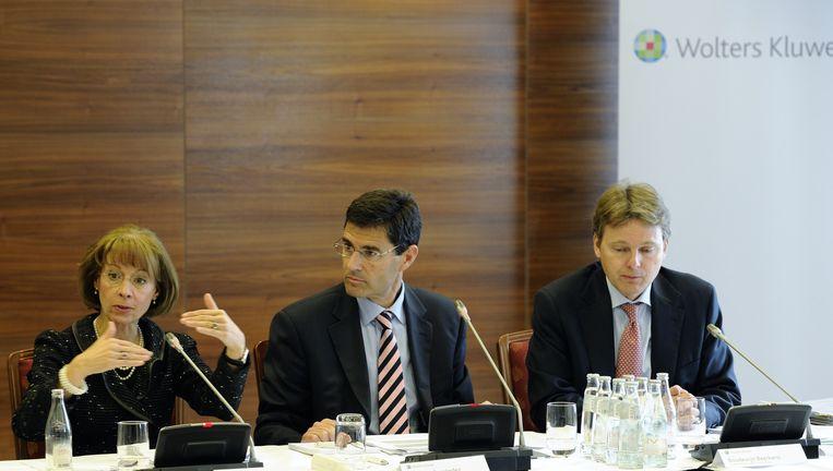 (Vlnr) CEO Nancy McKinstry, Salvador Fernandez Regional Managing Director Southern Europe en CFO Boudewijn Beerkens tijdens de presentatie van de jaarcijfers van Wolters Kluwer. Beeld anp