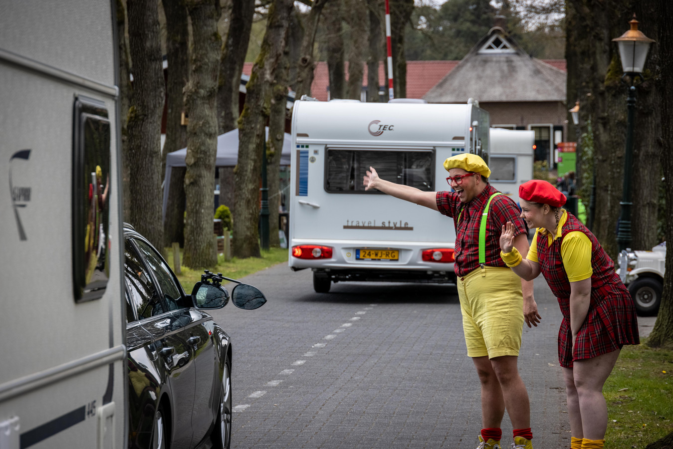 Drukte bij camping De Kleine Wolf in Stegeren tijdens de afgelopen meivakantie, waarbij ook een animatieteam werd ingezet.