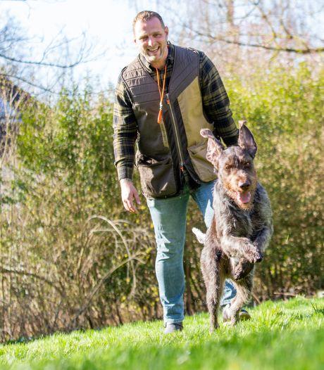 Hondentrainer Ronald traint eigenlijk vooral de baasjes: 'Honden zijn net kinderen'