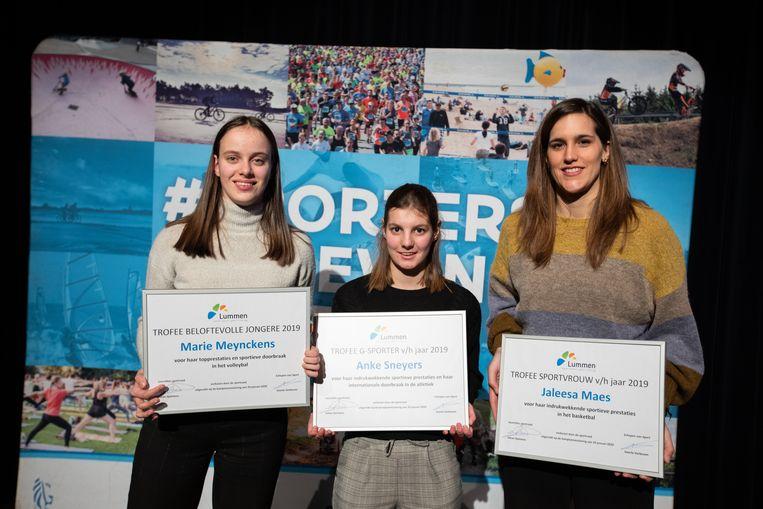 V.l.r.r.: Marie Meynckens (Beloftevolle jongere 2019), Anke Sneyers (G-sporter van het jaar 2019) en Jaleesa Maes (Sportvrouw van het jaar 2019).