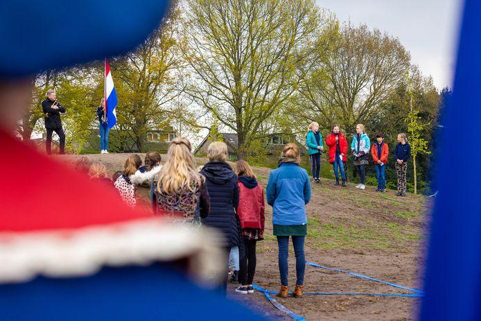 De herdenking vrijdagmiddag op het Lidwinaveld in Vught.