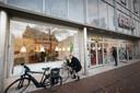 De Hema-winkels ademen nog de sfeer van de vorige eeuw, vindt retaildeskundige Paul Moers.