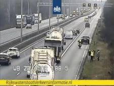 File op A50 tussen Arnhem en Apeldoorn opgelost, vertraging voorbij