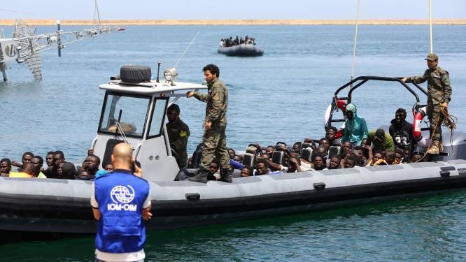 """Libische kustwacht kan stuurloze vluchtelingenboot niet redden """"bij gebrek aan middelen"""""""