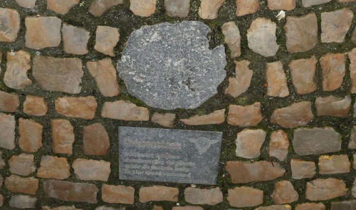 De zogenaamde heksensteen op de Lierse Grote Markt.