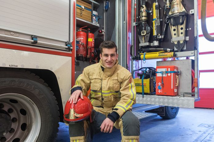 De brandweer voert campagne om nieuwe brandweervrijwilligers te werven. Bert Dirks is brandweervrijwilliger en vertelt over zijn werk.