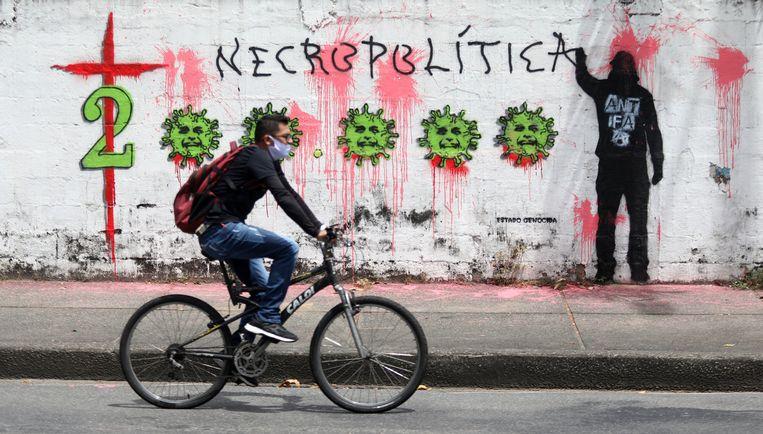 Straatbeeld in Rio de Janeiro, waar de P2-variant veel rondgaat. Beeld EPA