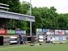 Voetbalclub Enter Vooruit installeert als eerste in Twente digitale reclameborden die tegelijk stroom opwekken en de lucht zuiveren