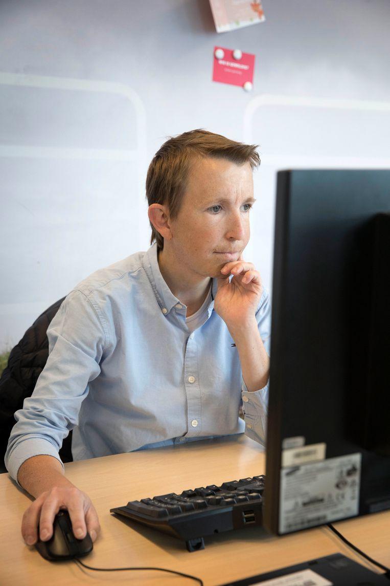 Jurgen Hamberg (27) heeft een groeistoornis en de ziekte van Crohn.  Beeld Werry Crone