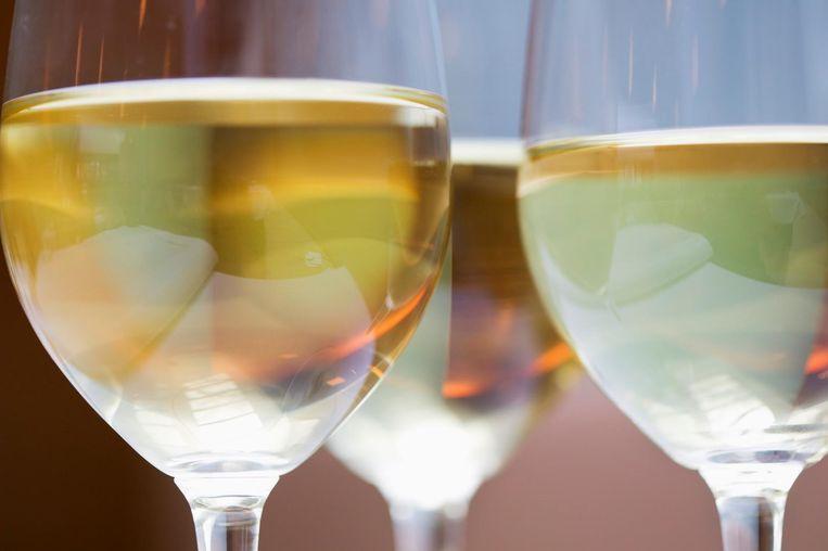 """De smaak van de vin jaune uit 1774 werd door een groep professionele wijnproevers in 1994 beschreven als """"goud en amberkleurig nectar, met vleugjes van noten, kruiden, curry, kaneel, vanille en gedroogd fruit."""" De wijn kreeg een score van 9,4 op tien. Beeld Thinkstock"""