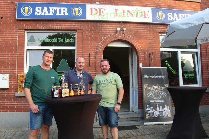 Philip Lanckman, Christophe De Winne en Bart Van der Cammen worden tijdens het kermisweekend eventjes cafébazen