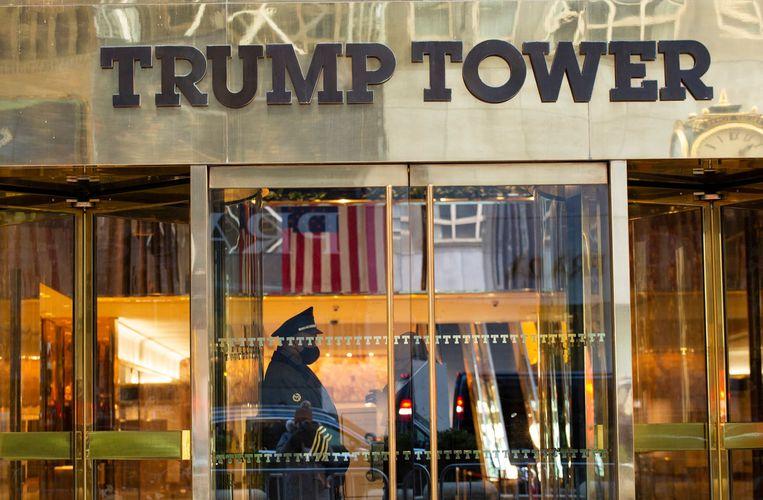 De Trump Tower is niet meer het officiële woonadres van oud-president Trump. Die is nu ingezetene van Florida. Beeld AFP