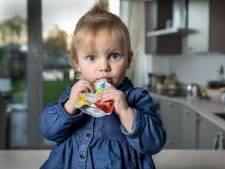Zakjes knijpfruit getest: 'Vier soorten fruit is wel veel voor een baby'