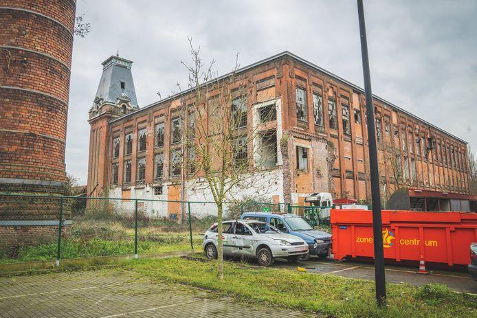 De FNO-site werd aan het einde van de negentiende eeuw gebouwd en ligt naast de kazerne van de brandweer in de Roggestraat.