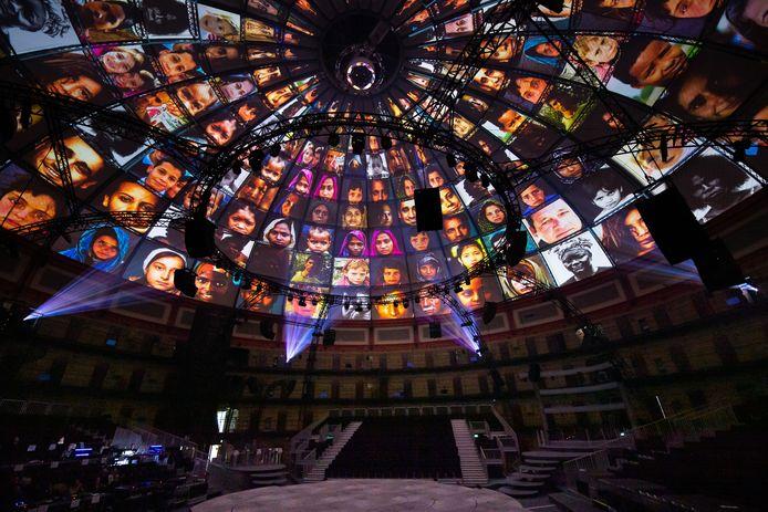 Zodiac-musical helemaal opgebouwd in de Koepel. Impressie beeld -en lichteffecten.