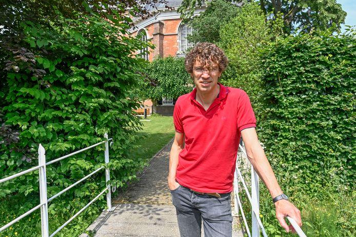Dominee Wouter van Laar was negen jaar dominee in Willemstad en verhuist deze zomer met zijn gezin naar De Bilt waar hij voorganger in een andere gemeente wordt.