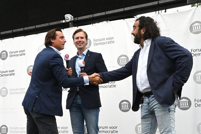 Peter Verstegen (rechts) met Thierry Baudet tijdens een eerder campagne in Cuijk.