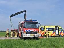 Auto belandt in de sloot in Heijningen, bestuurder in kritieke toestand naar het ziekenhuis