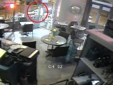 Beelden opgedoken van aanslag op restaurant Parijs