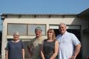 Anne Van Kelst; Stefaan Deconinck, Chris Spitaels en Guy De Vreese steken de zwaluwen graag een handje toe.
