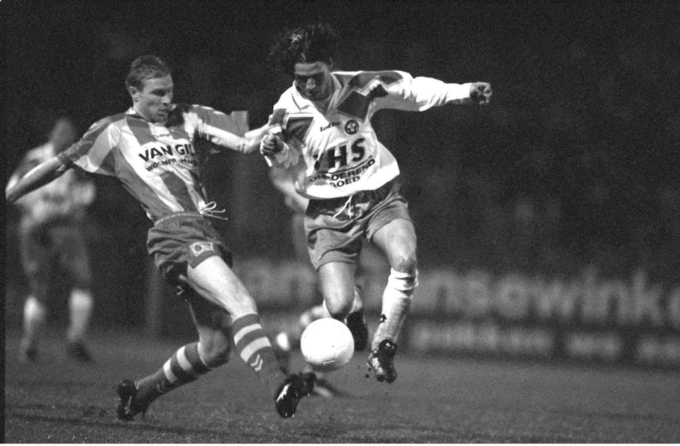 John de Jong speelde 69 wedstrijden voor ADO Den Haag en scoorde daarin 19 keer.