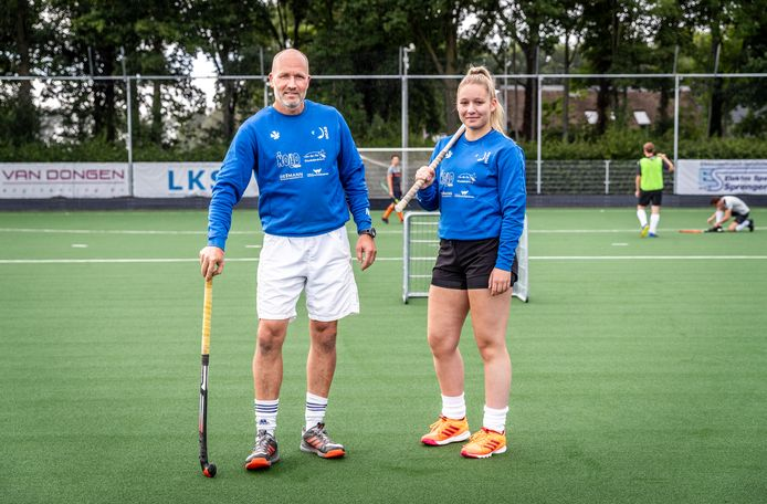 Vader Nieck en dochter Nina Pagonidis van hockeyclub HCAS.