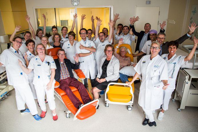 Uitreiking winnaar Ziekenhuis top 100 bij Beatrixziekenhuis in Gorinchem.