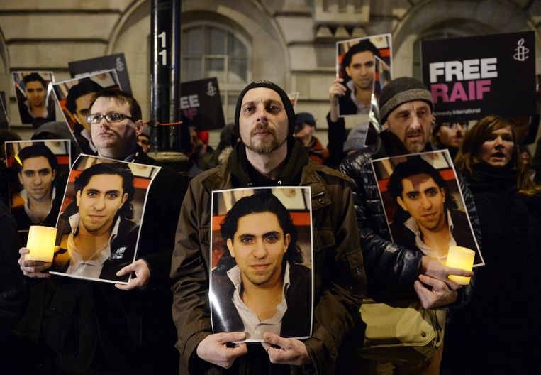 De Saudische blogger Raif Badawi zit al meer dan vijf jaar vast wegens kritiek op religieuze leiders. Beeld epa