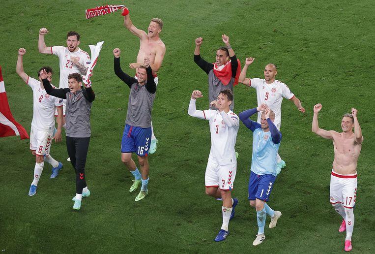 Na een avond vol hoop en wanhoop kwalificeerden de Denen zich toch rechtstreeks voor de achtste finales. Beeld AFP