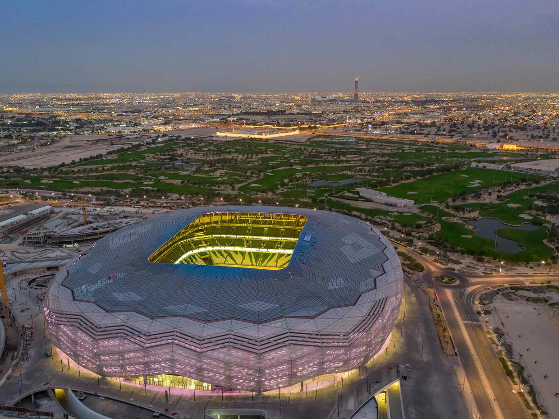 Een van de WK-stadions staat in Al Rayyan-Stad. Tijdens de bouw van de verschillende stadions in Qatar zijn naar schatting al ruim duizend arbeidsmigranten overleden.