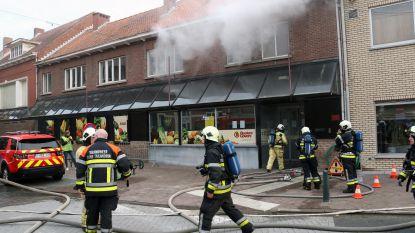Brandweer simuleert brand bij Peeters-Govers