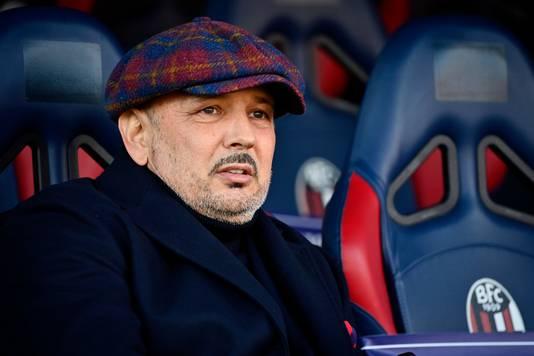 Sinisa Mihajlovic, bij Bologna de coach van Jerdy Schouten en Mitchell Dijks.