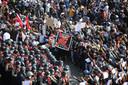 Manifestanten protesteren tegen het regime van Min Aung Hlaing in de hoofdstad Nay Pyi Taw. (08/02/21)