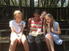 Nationale voorleeskampioen Sarah (12) laat haar luisteraars graag lachen