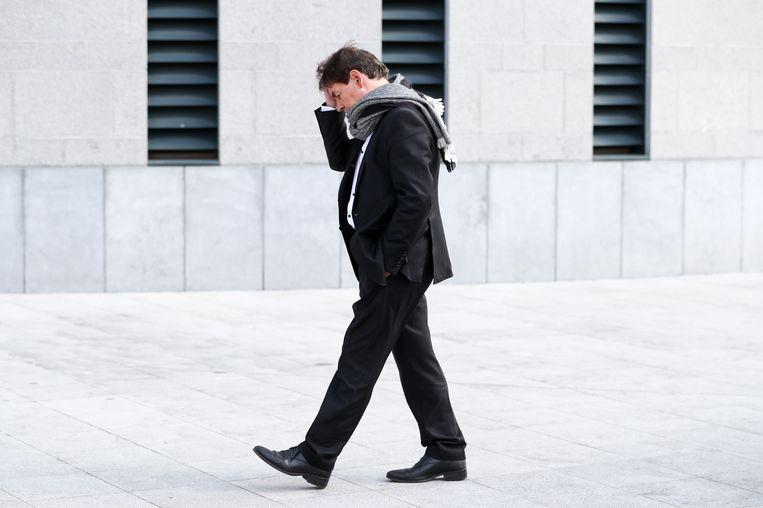 Bernard Wesphael arriveert aan het justitiepaleis van Bergen. Vandaag is de verdediging aan zet. Beeld BELGA
