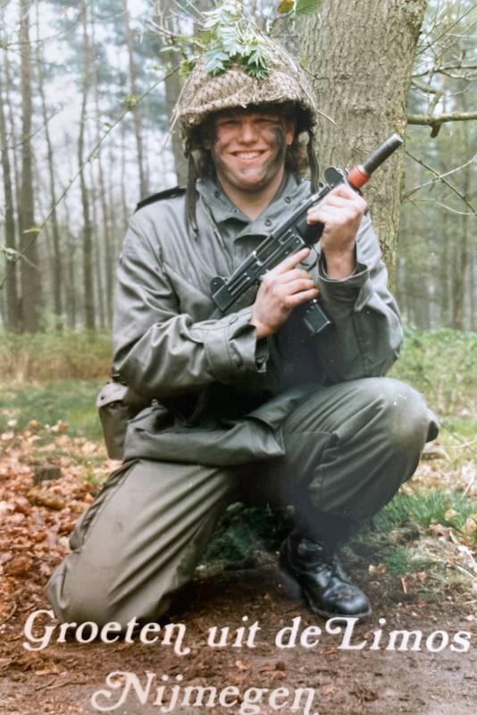 Gerard van der Horst tijdens diensttijd in 1990.