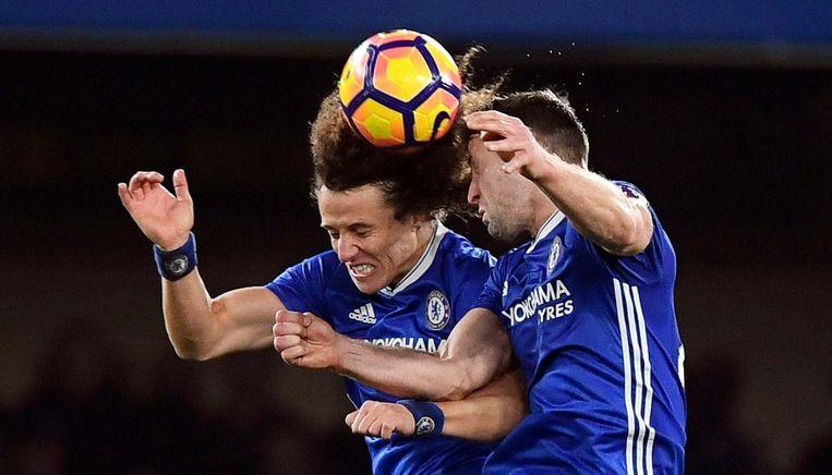 Chelsea-spelers David Luiz en Gary Cahill Beeld epa