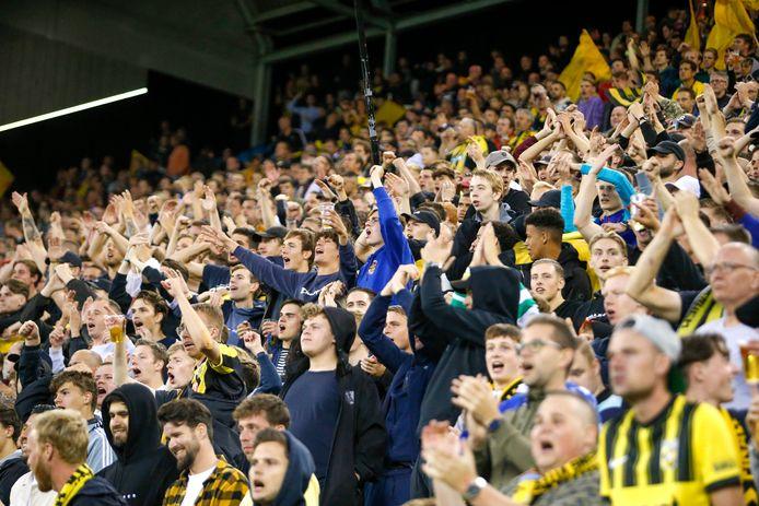 Volle tribunes bij Vitesse-Anderlecht, eerder deze maand. De kans bestaat dat Vitesse na 2023 niet meer in GelreDome speelt.