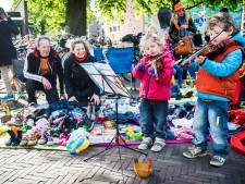 Helaas: alleen kinderen mogen met kleedje in de voortuin tijdens Koningsdag in Amersfoort