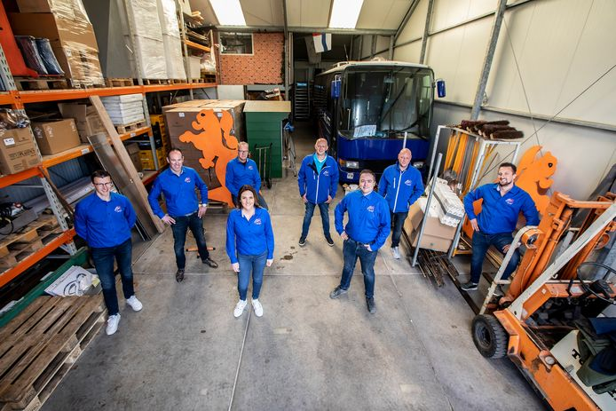 Het Oranje Comité in De Lier bestaat voornamelijk uit vrijgezelle mannen.
