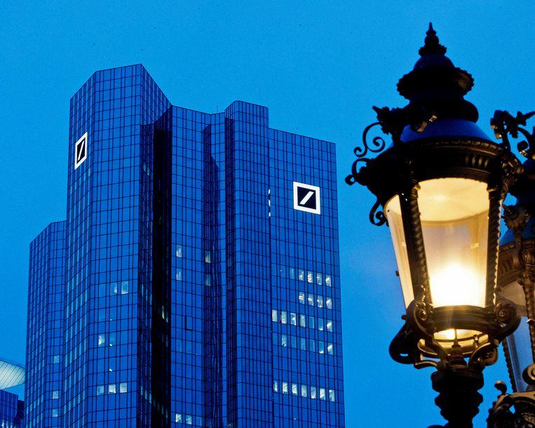 Het hoofdkantoor van Deutsche Bank  in Frankfurt. Beeld AP