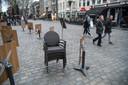 15 maart: algehele sluiting om 18.00 uur van de horeca in het hele land, terrassen op de Grote Markt in Breda worden opgeruimd, publiek keert huiswaarts.